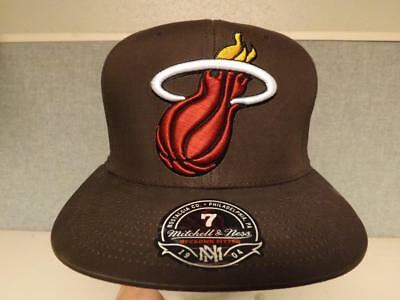New Miami Heat Adult Mens M&N Sizes 7-7 1/8-1/4-3/8-1/2-5/8 BROWN Cap Hat $32 (Miami Adult Hat)