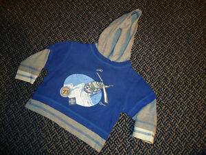 Boys Size 2 Long Sleeve T-Shirt Hoodie