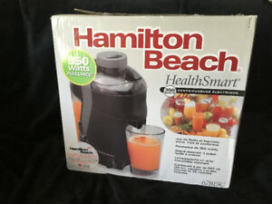 Brand New Hamilton Beach Juice Extractor 67815C