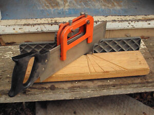 Mitre Box with handsaw