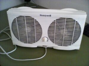 Honeywell 2 speed twin window fan