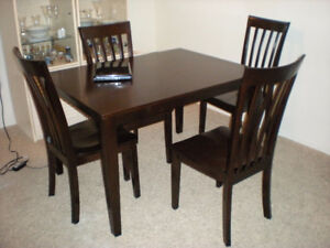 Buy or Sell Dining Table & Sets in Kamloops Furniture