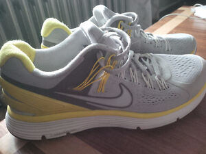 Nike Lunar Eclipse 3 Running Shoes Size 9.5
