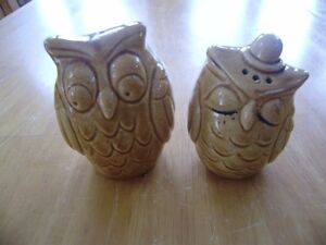 VINTAGE OWL PICTURES AND S&P SHAKERS Windsor Region Ontario image 2