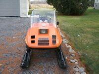 Motoneige Tundra 1988 à vendre $1,200.00