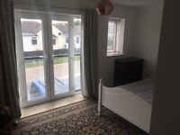 Beautiful, Bright and Spacious Double Room in a modern house