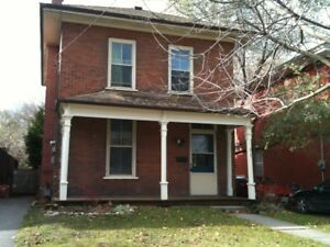 DOWNTOWN 6 BDRM ALL INCLUSIVE HOME - $475 each