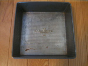 LARGE SQUARE BAKE-RITE TINWARE BROWNIE PAN