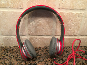 Beats Solo HD by Dr. Dre, red
