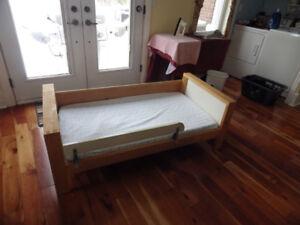 FREE!  Toddler Bed