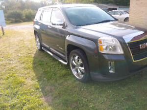 2011 GMC Terrain SUV, 2.4L FWD - w/ extra set of winter wheels