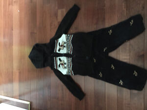 Gymboree 2 piece hooded sweater and pant outfit size 6-12 mths Kitchener / Waterloo Kitchener Area image 1