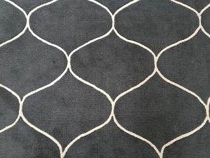 8 x 10 Grey and White Wool Rug