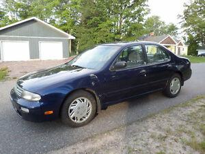 1995 Nissan Altima SE Sedan