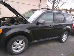 2011 Ford Escape XLT 80,000km Safety and E-Tested