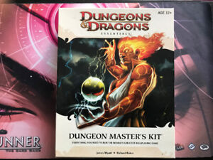 Dungeons and Dragons Essentials Dungeon Master's Kit