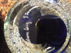 Beautiful signed glass paperweight Best offer London Ontario image 2