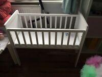 Hyde Crib with mattress