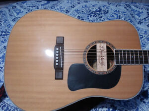 BEAUTIFUL WASHBURN ACOUSTIC GUITAR WITH PICK UP. TUNER & STRAP