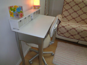 VERY PRETTY SMALL  DESK AND CHAIR IN EXCELLENT CONDITION