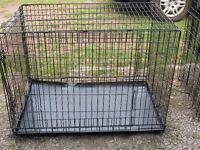 grosse cage en métal noire