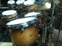 Drummer (Batteur) disponible!