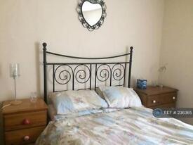 1 bedroom in East Cliff, Dover, CT16