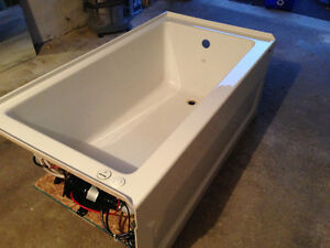 Maax Air Bathtub Skyline 6032