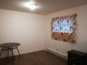 Bachelor $500/month,Lachine(St-Piere). 1st October