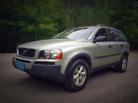 2004 Volvo XC90 2.5 Wagon - All Wheel Drive, Excellent Cond.