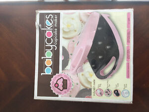 Baby Cakes machine new in box and cook book