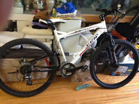 CCM APEX MOUNTAIN BIKE FOR SALE (GOOD CONDITION = USED 5 TIMES)