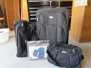 New 3 Piece Luggage Set