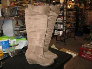 Ladies Tall Boots Size 6 For Sale