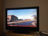 "32"" LCD TV FREEVIEW BUILTIN HDMI PORTS GOOD WORKING ORDER CAN DELIVER"
