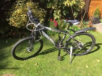 Shaman Bulter Bike mountain bike hydraulic brakes like new