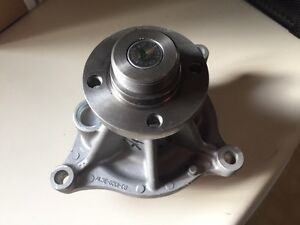 Ford 6.2 Litre Water Pump Cambridge Kitchener Area image 1