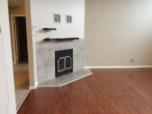 Beautiful 1 bdrm condo - heated pool and 2 secured parking spots