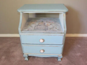NIGHT STAND  with french flare