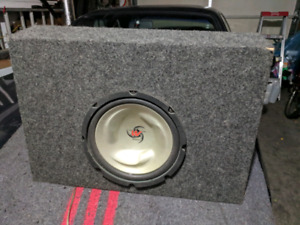 10 inch Kenwood Subwoofer/400w amp and enclosure