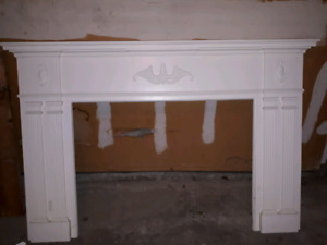 New white fire place mantle