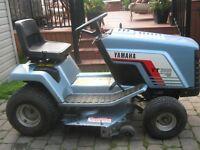 Tracteur Yamaha (hydrostatique) 12 hp (drive shaft) Impeccable !
