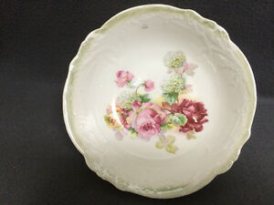 Collectible Antique Beautiful Porcelain Serving Dish London Ontario image 2