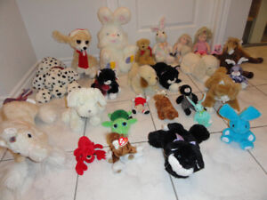 ASSORTMENT OF TOY STUFFED ANIMALS