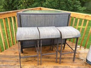 Outdoor bar with 3 stools