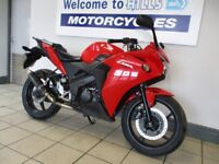 HONDA CBR125R LOW MILES 14 PLATE TRADE SALE MINOR MARKS