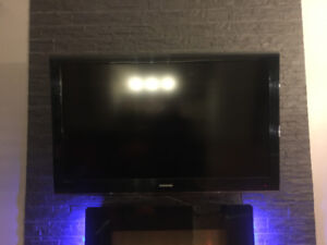 Samsung TV 46 inches