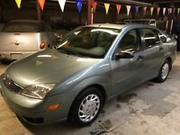 2005 Ford Focus ZX4 SES, leather,remote starter,new tires,Safety
