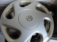 TOYOTA HUBCAPS 15'' 1 PCS FOR $30.00 best offer call 647-740-138