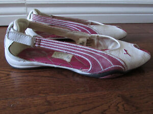 Puma Sandals Size 8.5 London Ontario image 3